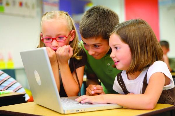 Однако если ребенок приступает к изучению, например, испанского в старшем школьном возрасте или даже будучи подростком